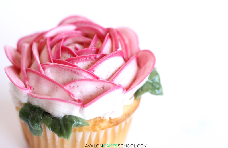 buttercream-flower-cupcakes-easy-how-to-make-video-tutorial-rose-peony-leaf-leaves3