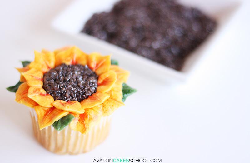 sunflower-cupcake-easy-how-to-make-buttercream-sprinkles-tutorial-no-tips-do1