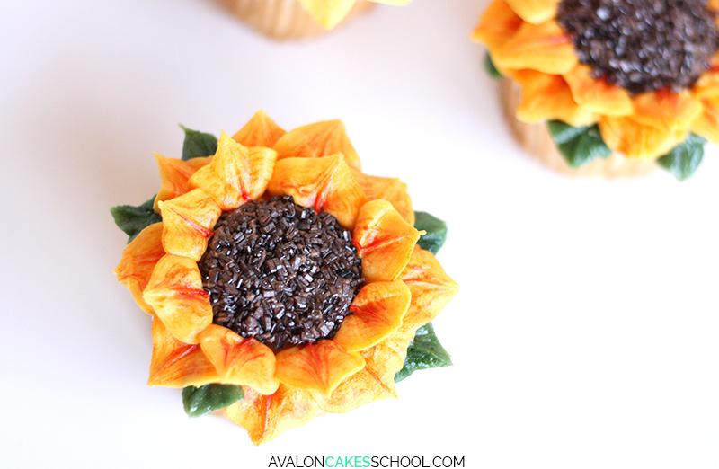 sunflower-cupcake-easy-how-to-make-buttercream-sprinkles-tutorial-no-tips-do3