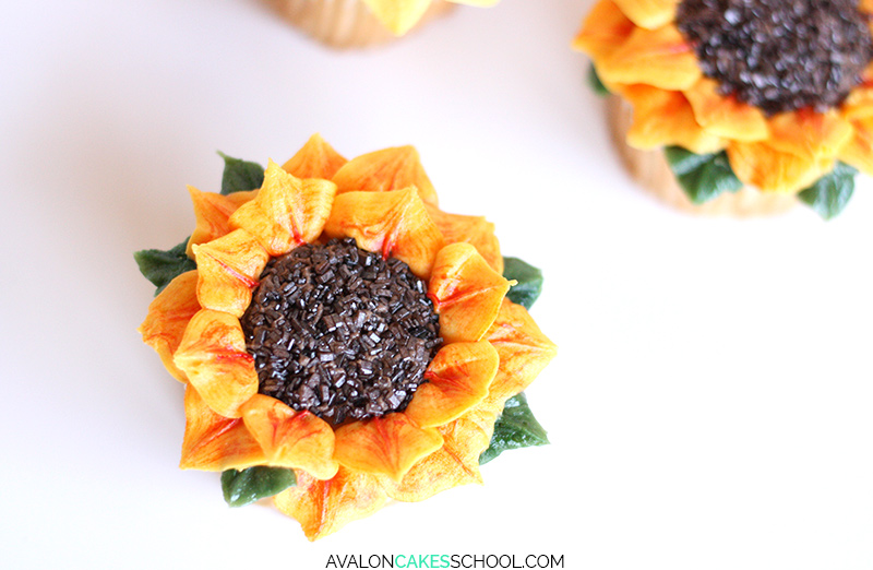 sunflower-cupcake-easy-how-to-make-buttercream-sprinkles-tutorial-no-tips-do3